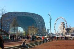 Κεντρικό τετράγωνο της αγοράς του Ρότερνταμ στην ολλανδική μητρόπολη συμπαθητική ημέρα άνοιξη στοκ φωτογραφίες με δικαίωμα ελεύθερης χρήσης