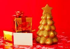 κενός αειθαλής χρυσός καρτών παρουσιάζει το δέντρο δύο Στοκ εικόνα με δικαίωμα ελεύθερης χρήσης