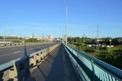 Κενός αυτοκινητικός δρόμος το πρωί στοκ εικόνες με δικαίωμα ελεύθερης χρήσης
