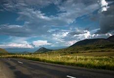 κενός δρόμος βουνών της Ιρλανδίας connemara Στοκ εικόνα με δικαίωμα ελεύθερης χρήσης