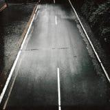 Κενός δρόμος που αντιμετωπίζεται άνωθεν Στοκ Φωτογραφίες