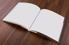 Κενός κατάλογος, περιοδικά, χλεύη βιβλίων επάνω στοκ φωτογραφία με δικαίωμα ελεύθερης χρήσης