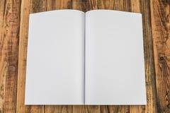 Κενός κατάλογος, περιοδικά, χλεύη βιβλίων επάνω στοκ εικόνες με δικαίωμα ελεύθερης χρήσης