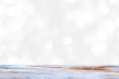 Κενός μαρμάρινος πίνακας και εσωτερικό υπόβαθρο θαμπάδων με την εικόνα bokeh, για το montage επίδειξης προϊόντων στοκ εικόνες με δικαίωμα ελεύθερης χρήσης