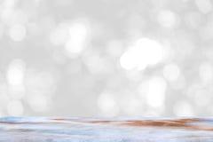 Κενός μαρμάρινος πίνακας και εσωτερικό υπόβαθρο θαμπάδων με την εικόνα bokeh, για το montage επίδειξης προϊόντων Στοκ Φωτογραφίες