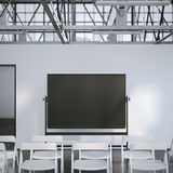 Κενός μαύρος πίνακας στη σύγχρονη αίθουσα συνδιαλέξεων τρισδιάστατη απόδοση Στοκ Εικόνα