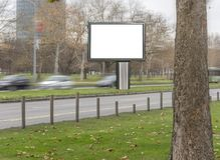 Κενός πίνακας διαφημίσεων στην οδό πόλεων για τη διαφήμιση και το μάρκετινγκ στοκ εικόνα με δικαίωμα ελεύθερης χρήσης