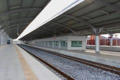 Κενός σιδηροδρομικός σταθμός οριζόντιος Στοκ Φωτογραφίες