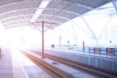 κενός σιδηρόδρομος πλατφορμών Στοκ Φωτογραφίες