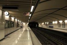 κενός σταθμός μετρό Στοκ Φωτογραφία