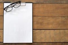 κενός χώρος εργασίας χαρτικών εγγράφου γραφείων Στοκ Φωτογραφία