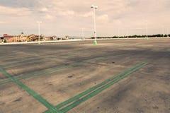 κενός χώρος στάθμευσης μ&eps Στοκ Εικόνες