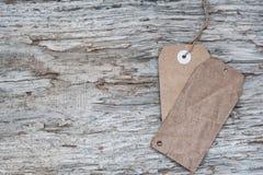 Κενό αναδρομικό ύφος ετικεττών στην παλαιά ξύλινη σύσταση Στοκ Φωτογραφίες