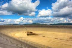 Κενό ανώτερο φράγμα των αντλώντας εγκαταστάσεων υδροηλεκτρικής ενέργειας στη Δημοκρατία της Τσεχίας Στοκ Φωτογραφίες