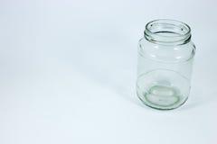 Κενό βάζο γυαλιού σε ένα άσπρο υπόβαθρο Στοκ φωτογραφία με δικαίωμα ελεύθερης χρήσης
