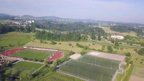 Κενό γήπεδο ποδοσφαίρου από τον ουρανό απόθεμα βίντεο