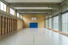 Κενό γήπεδο μπάσκετ στοκ εικόνα