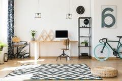 Κενό γραφείο στη πολυκατοικία Στοκ Εικόνες
