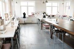 Κενό εσωτερικό ατελιέ μόδας Στοκ Φωτογραφίες