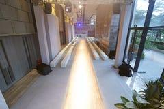 Κενό εσωτερικό διαδρόμων επιδείξεων μόδας Στοκ φωτογραφία με δικαίωμα ελεύθερης χρήσης