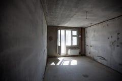 Κενό εσωτερικό δωματίων τοίχων συγκεκριμένο Στοκ φωτογραφίες με δικαίωμα ελεύθερης χρήσης