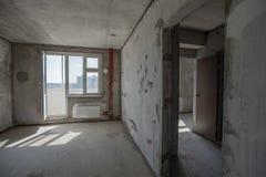 Κενό εσωτερικό δωματίων τοίχων συγκεκριμένο Στοκ φωτογραφία με δικαίωμα ελεύθερης χρήσης