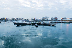 Κενό λιμάνι στα ξημερώματα Στοκ φωτογραφία με δικαίωμα ελεύθερης χρήσης