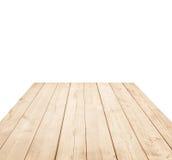 Κενό καφετί ξύλινο tabletop, κάθετες σανίδες στο άσπρο υπόβαθρο Στοκ Φωτογραφία