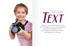 κενό κορίτσι φωτογραφικών μηχανών που φαίνεται λευκό Στοκ Εικόνα