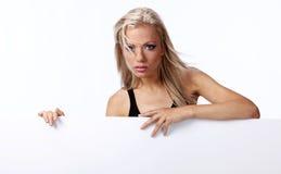 κενό κορίτσι χαρτονιών πο&upsilo Στοκ εικόνα με δικαίωμα ελεύθερης χρήσης
