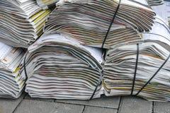κενό κορυφαίο λευκό στοιβών εγγράφου εφημερίδων στοκ εικόνες με δικαίωμα ελεύθερης χρήσης