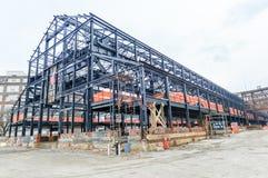 Κενό κοχύλι αποθηκών εμπορευμάτων/εργοστασίων κάτω από την κατασκευή. Στοκ Εικόνα