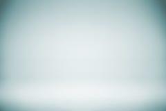 Κενό μπλε άσπρο σκηνικό στούντιο, περίληψη, γκρίζο υπόβαθρο κλίσης, εκλεκτής ποιότητας χρώμα Στοκ φωτογραφίες με δικαίωμα ελεύθερης χρήσης