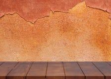 Κενό ξύλινο πάτωμα Χρώμα αποφλοίωσης επιφάνειας τσιμέντου για το υπόβαθρο στοκ εικόνα
