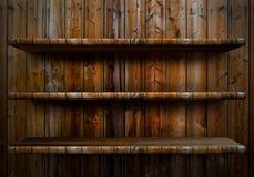 Κενό ξύλινο ράφι στοκ εικόνες