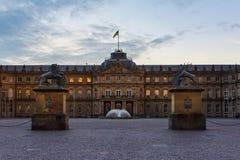 Κενό πάρκο εισόδων κινηματογραφήσεων σε πρώτο πλάνο της Στουτγάρδης Schlossplatz Neues Schloss Στοκ εικόνες με δικαίωμα ελεύθερης χρήσης
