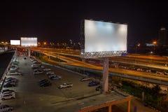 κενό πινάκων διαφημίσεων για την υπαίθρια αφίσα διαφήμισης ή κενό billboar Στοκ Φωτογραφία