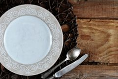 Κενό πρότυπο για το σύνθεση-πιάτο, το μαχαίρι και το κουτάλι τροφίμων Στοκ εικόνα με δικαίωμα ελεύθερης χρήσης