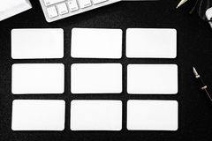 Κενό πρότυπο επαγγελματικών καρτών στον πίνακα για την επιχειρησιακή επαφή σχεδίου Στοκ φωτογραφία με δικαίωμα ελεύθερης χρήσης