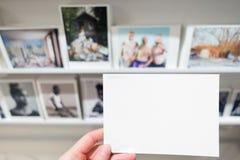 Κενό κενό πρότυπο καρτών πρόσκλησης καρτών για τη στοά Μουσείων Τέχνης φωτογραφίας Στοκ Φωτογραφία