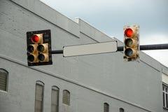 Κενό σημάδι οδών με το κόκκινο φως Στοκ φωτογραφίες με δικαίωμα ελεύθερης χρήσης
