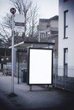 Κενό σημάδι στη στάση λεωφορείου Στοκ Φωτογραφίες