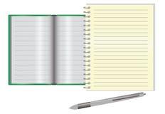 Κενό σημειωματάριο σε ένα γραφείο Στοκ Φωτογραφίες