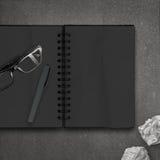Κενό σκοτεινό βιβλίο σημειώσεων Στοκ εικόνες με δικαίωμα ελεύθερης χρήσης