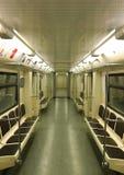 Κενό τραίνο στον υπόγειο της Μόσχας στοκ εικόνες