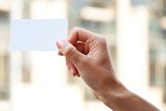 κενό χέρι καρτών Στοκ Φωτογραφία