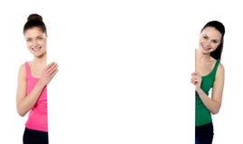 κενό χαμόγελο αφισών εκμετάλλευσης ομορφιών Στοκ εικόνα με δικαίωμα ελεύθερης χρήσης