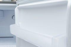 κενό ψυγείο ψυκτήρων Στοκ εικόνα με δικαίωμα ελεύθερης χρήσης
