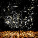 Κενό δωμάτιο με το ελαφρύ αστέρι και τις ελαφριές ακτίνες Στοκ Φωτογραφία