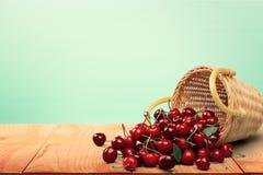 Κεράσι, καλάθι, φρούτα Στοκ Εικόνα